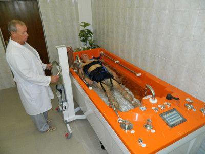 Подводное вытяжение позвоночника при спондилезе позвоночника
