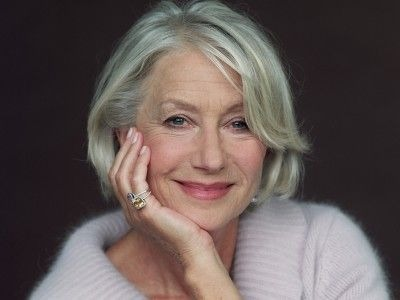 helen_mirren_actress_face_smile_gray_haired_104176_800x600