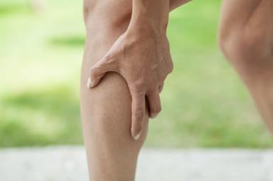 Причины и лечение болей в икроножной мышце