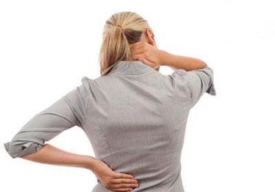 Причины блуждающей боли в спине