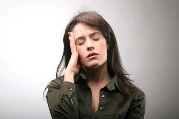 Может ли болеть голова из-за болезней позвоночника? Болит спина и голова