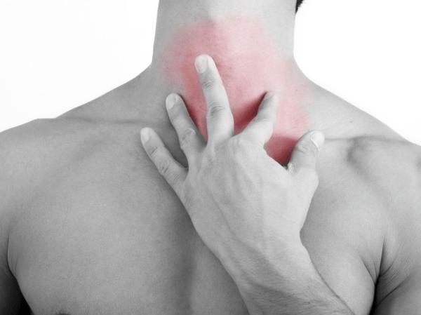 От шейного хондроза может болеть горло